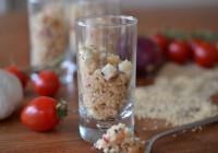 Couscoussalat mit Fetakäse, Minze und Erdnüssen