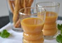 Süßkartoffelsüppchen mit Limonen-Koriander-Brotsticks