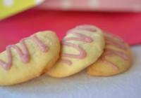 Kekse mit Cranberry-Portwein-Füllung