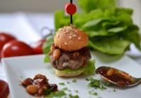 Mini-Wildburger mit Tomatenchutney