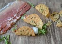 Parmesantacos mit Rucola und Schinken