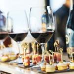 Wein und Fingerfood