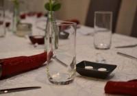 Der gedeckte Tisch wartet auf Gäste