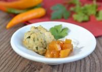 Asia-Bulette mit Mango und Sesamjoghurt