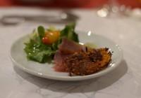 Orangen- und Estragon gebeizter Thunfisch mit Süßkartoffelrösti